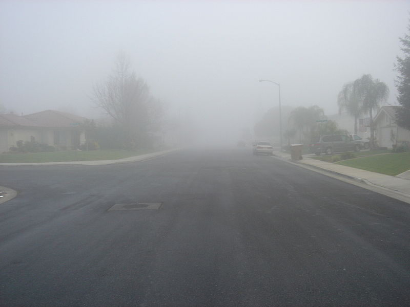 Tule_fog_(Bakersfield,_California_-_13_January_2006)