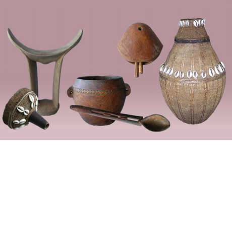 A spoon, a vase, and other items in the Torry Collection (Gabra, Kenya)