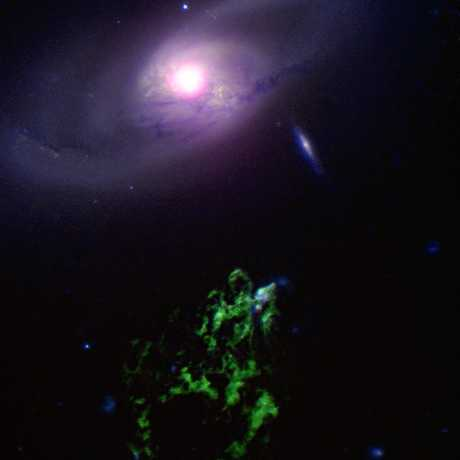 Black hole in IC 2497 giving Hanny's Voorwerp its glow