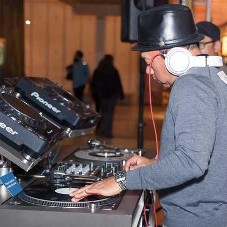 Sweater Funk DJ