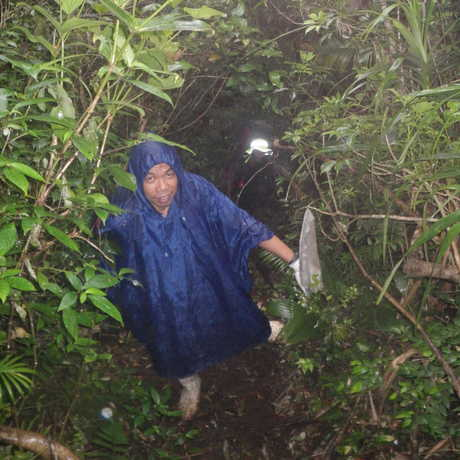 Orly and Lando make steady upward progress in the rain and mud
